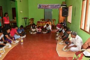 உறுப்பினர்களுக்கான உணவு வழங்கல் : Providing Meals for Members